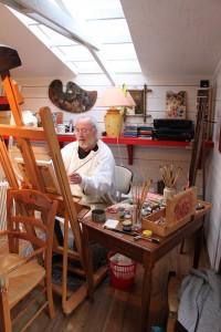 Jacques Aubry dans son atelier de travail